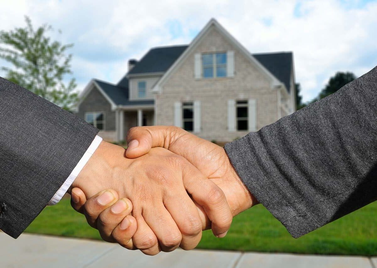 QUALITIES OF A REAL ESTATE AGENT YOU NEED TO LOOK FOR (1)